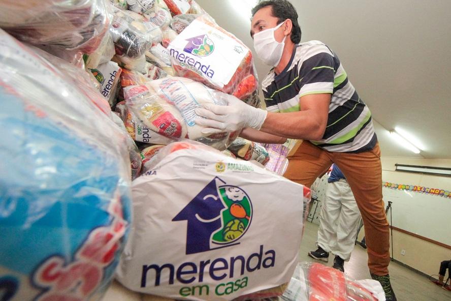 'Merenda em Casa' começa a entregar kits de alimentação escolar para alunos da rede estadual