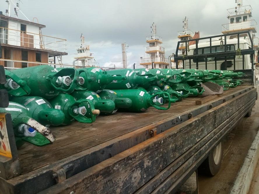 Governo do Amazonas envia 74 cilindros de oxigênio para Tefé