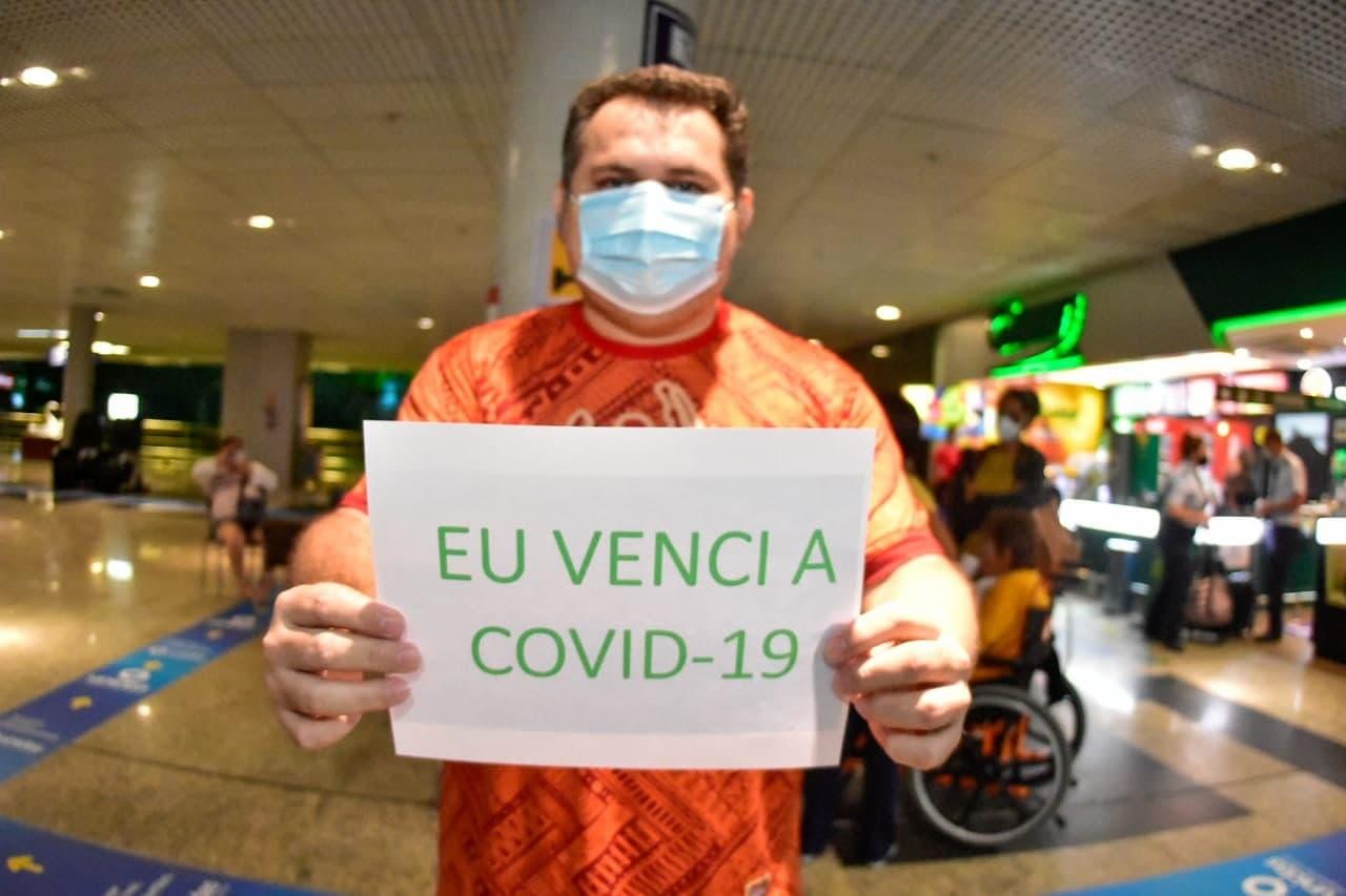 Seis pacientes recuperados da Covid-19 em São Luís retornam a Manaus