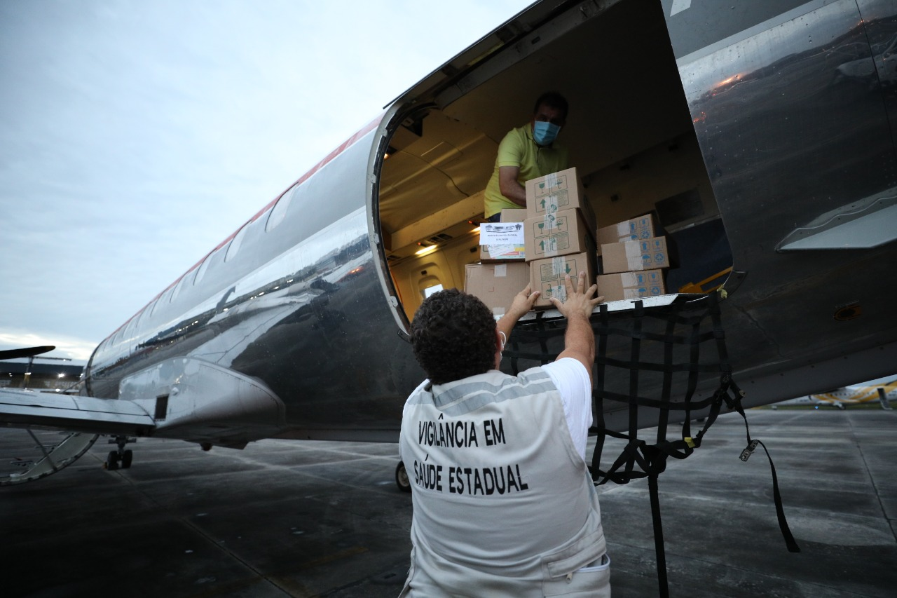 Casa Militar do Estado amplia apoio aéreo para o transporte de insumos, vacinas e vítimas da Covid-19 no Amazonas