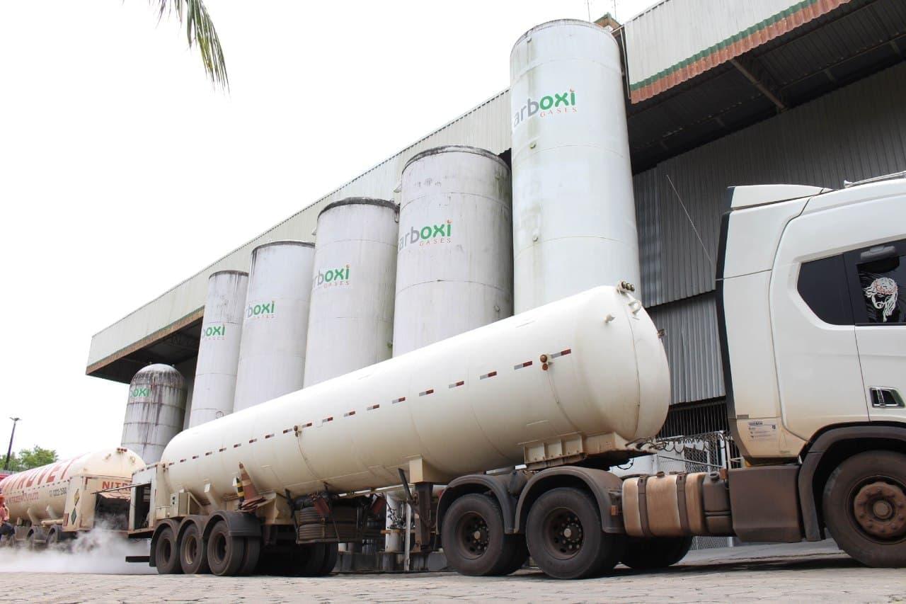 Três caminhões com cerca de 60 mil m3 de oxigênio chegam a Manaus para dar suporte à rede hospitalar