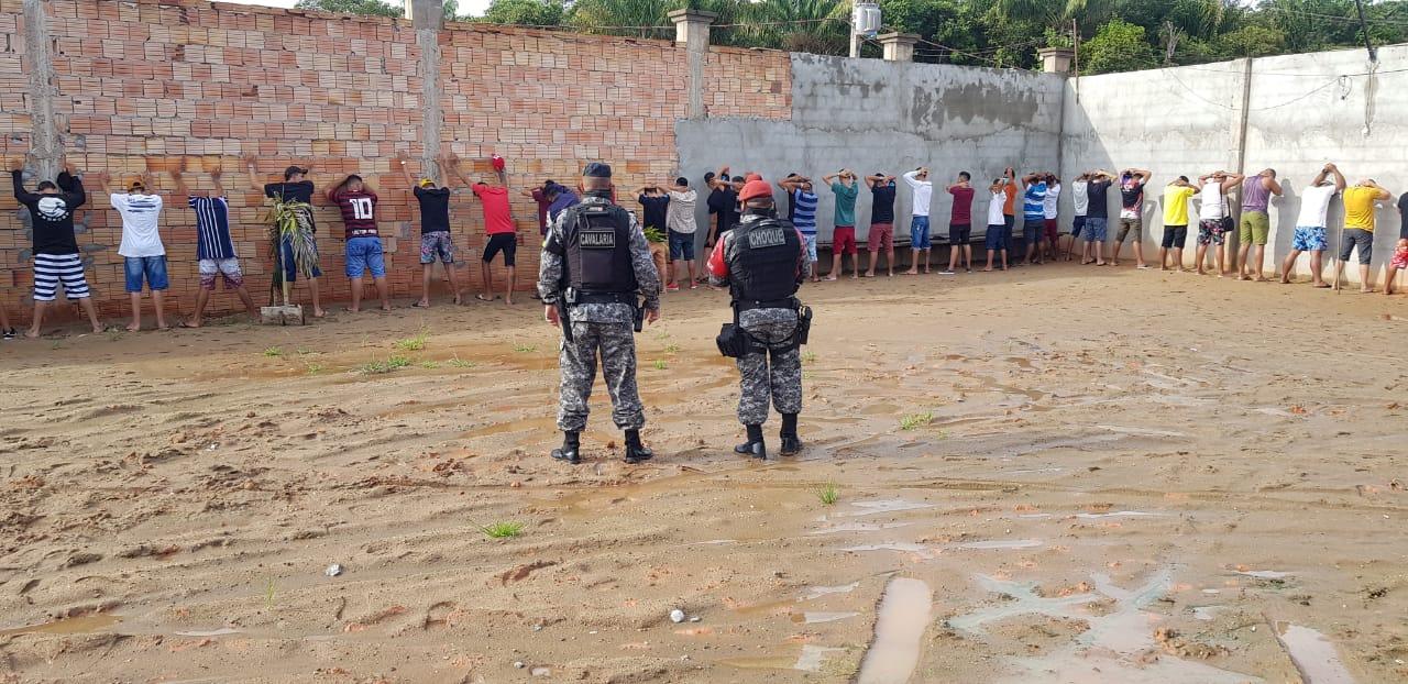 Base Arpão encerra festa clandestina com mais de 150 pessoas em Coari, neste domingo (28/02)