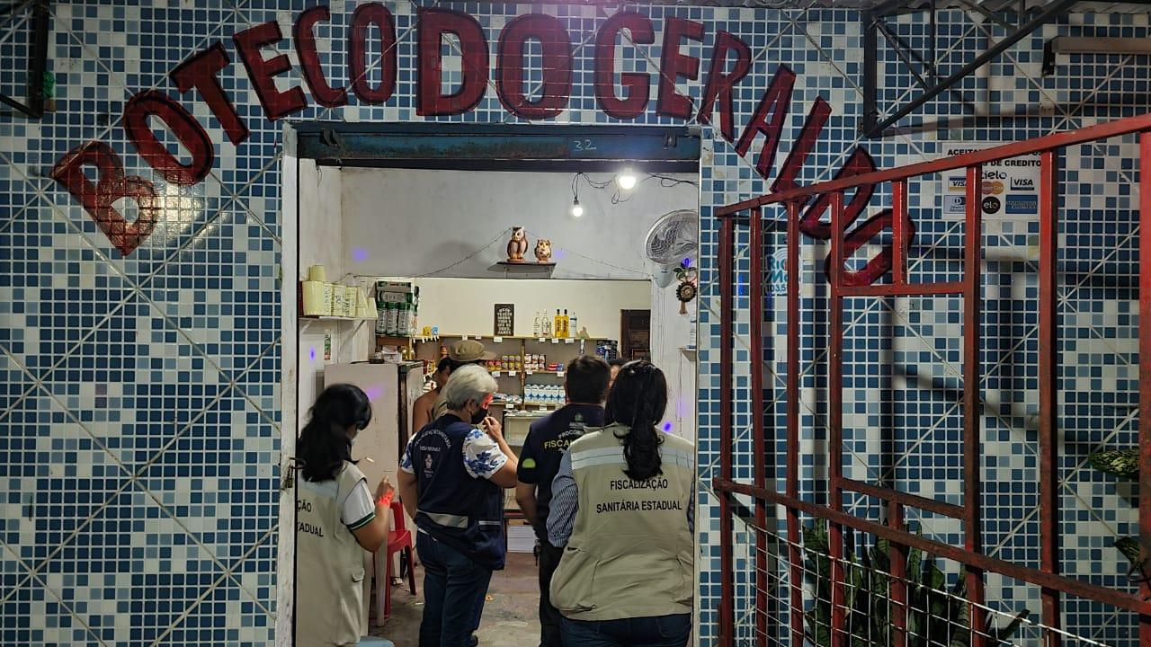 CIF fecha 11 bares que descumpriram decreto de prevenção da Covid-19, em Manaus